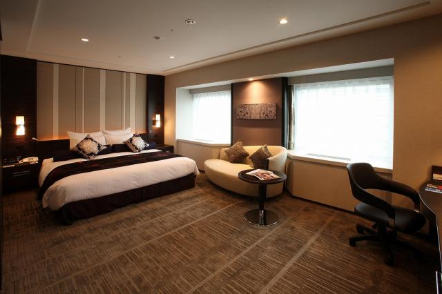 club floor room