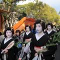 博多券番による芸妓かち詣り