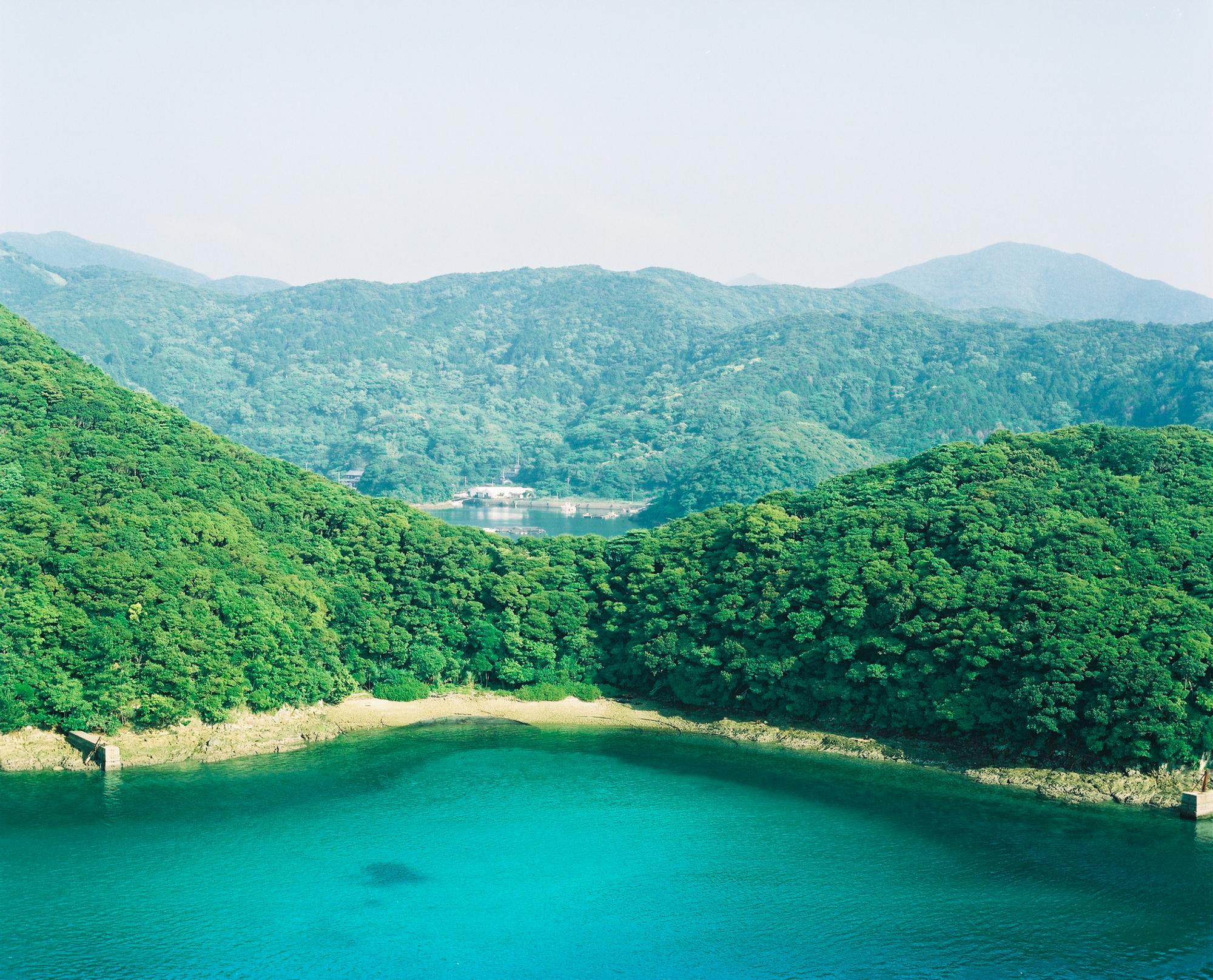 山が海にせまる上五島町独特の地形