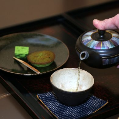 Feel the History of Hakata! – Sweets and Local Products Tour