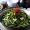 博多名物・もつ鍋は醤油味でさっぱりと。