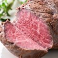 お値打ちな週替わりメニュー「塊肉ステーキ」はなんと10g80円!