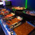 17種類以上の料理がビュッフェ形式で楽しめる『タベナイト』