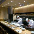 目の前で職人が揚げた天ぷらをぜひ味わってください!