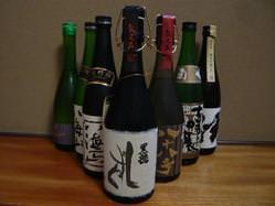 日本酒など限定酒も取り揃えております。