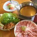 糸島豚とレタスのしゃぶしゃぶはあごだしスープであっさりと。