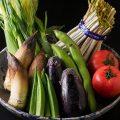市場の新鮮野菜野菜も料理人が、目で見て確かなものを仕入れ