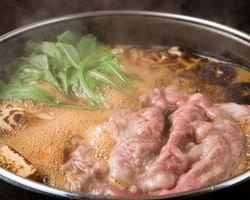 極上の黒毛和牛のすき鍋はまさに絶品!