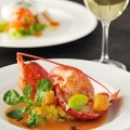至高のオマール海老料理。ぜひご堪能ください。