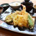 お客様の目の前で揚げるサクサク天ぷら!