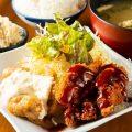 【ミックス定食】チキン南蛮とせせりかつを一度に味わえる!