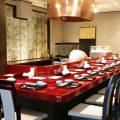 揚げたての天ぷらをカウンター席で召し上がれます。