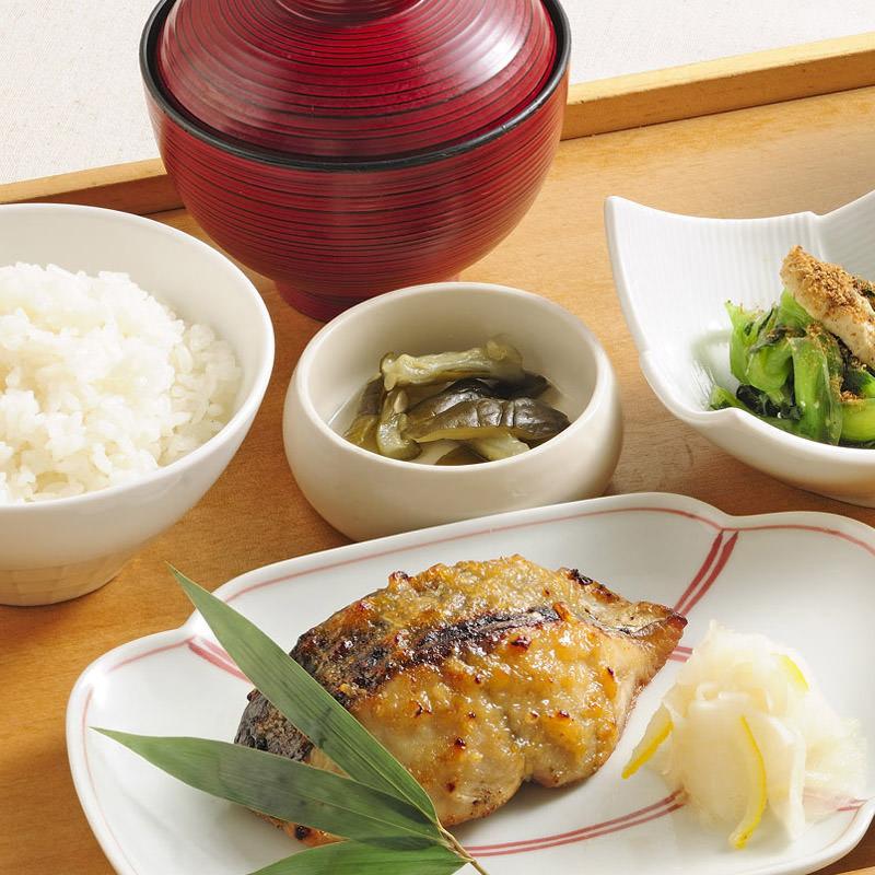 お昼間のご宴会・会議などにどうぞ!菜なの特選膳2460円。