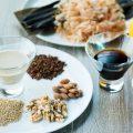 つけダレは自家製ポン酢と胡桃&胡麻のこだわりの2種をご用意。