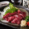 もつを使った一品や馬刺し、明太子など九州の美味もございます