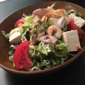 海鮮たっぷり入った『こまち特製サラダ』はボリュームも満点