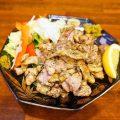 博多地鶏の炭火焼1人前680円/2人前1,200円