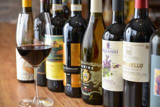 【ワイン】ボトルは約100種類、グラス6〜8種類ご用意◎